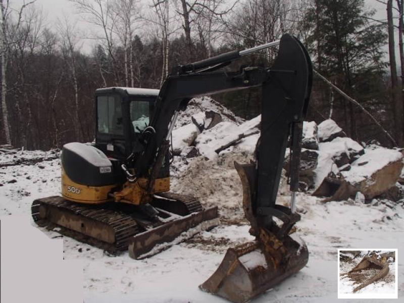 Excavatrice ( 8 tonnes et moins) John Deere 50D 2011 En Vente chez EquipMtl