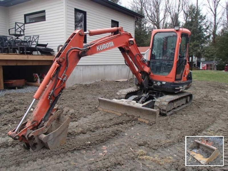 Excavatrice ( 8 tonnes et moins) Kubota KX121-3ST 2014 En Vente chez EquipMtl