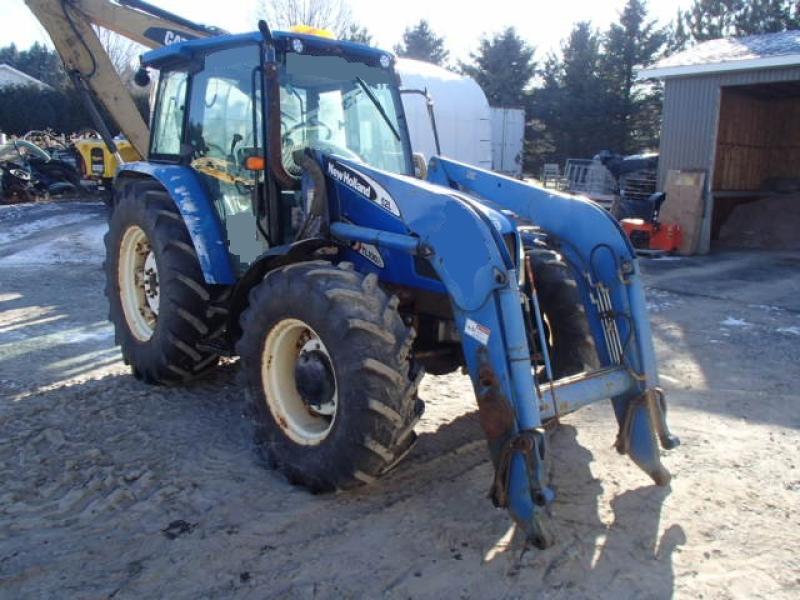 Tracteur agricole 4X4 New Holland TL100ADT 2007 En Vente chez EquipMtl