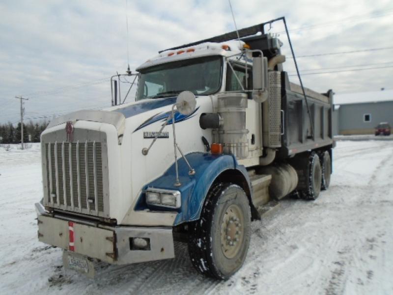 Camion dompeur 10 roues Kenworth T800 2007 En Vente chez EquipMtl