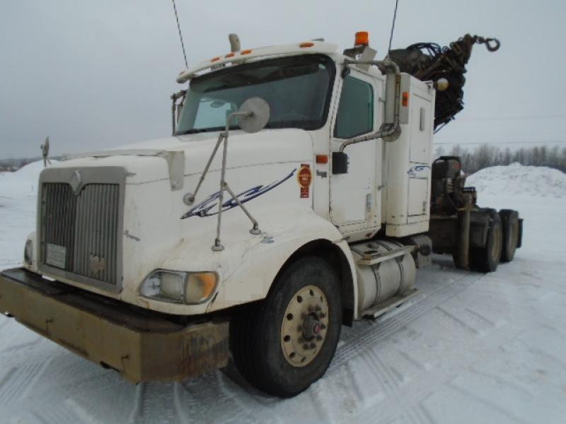 Camion grue International 9200 2000 En Vente chez EquipMtl