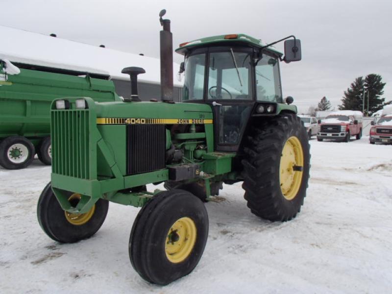 Tracteur agricole 4X4 John Deere 4040 1979 En Vente chez EquipMtl