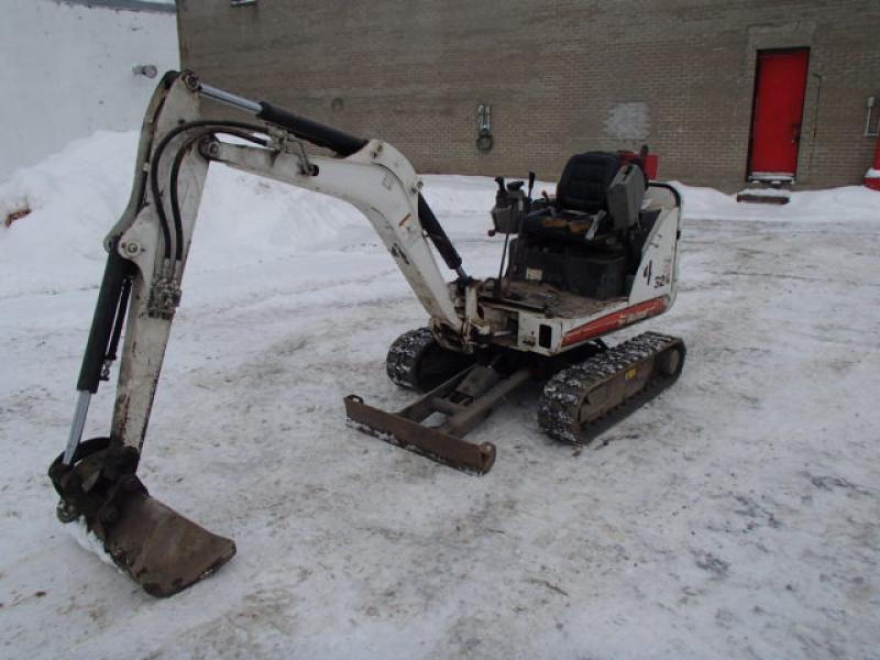 vendu Bobcat 324 2012 En Vente chez EquipMtl
