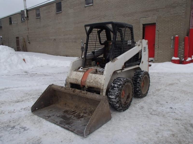 Chargeur compact moins de 5 tonnes Melroe Bobcat 763 2001 En Vente chez EquipMtl