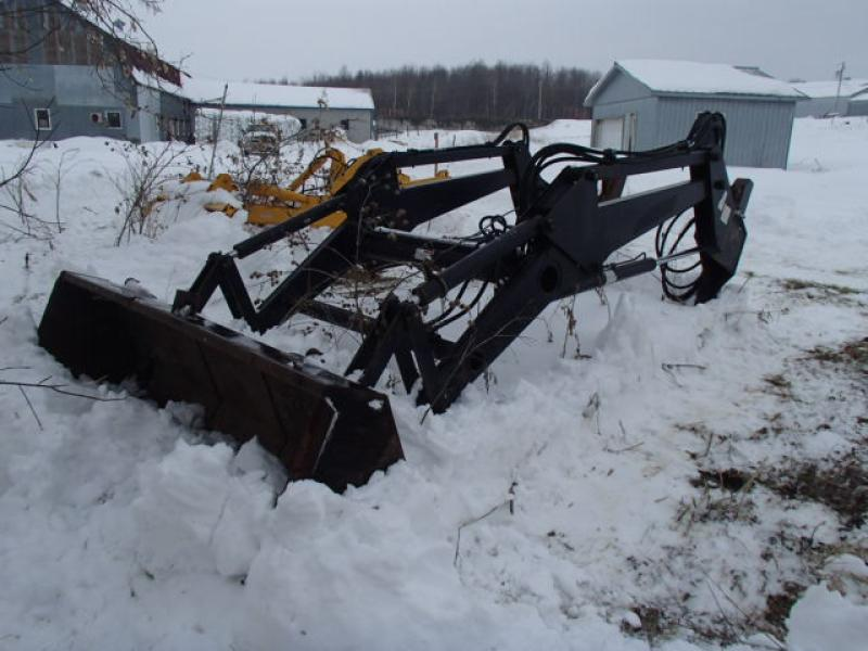 z-Attachement agricole New Holland 84LB 2007 En Vente chez EquipMtl