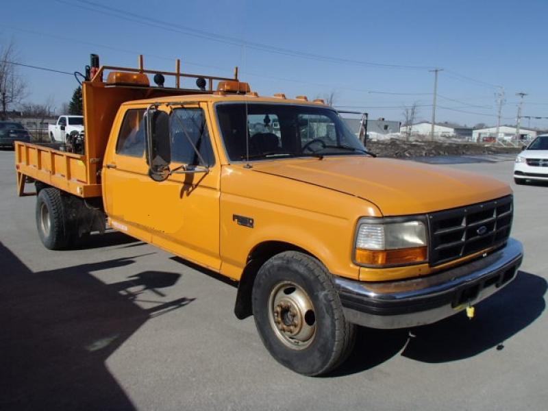 Camionnette 6 roues Ford F350 Crew Cab 1994 En Vente chez EquipMtl