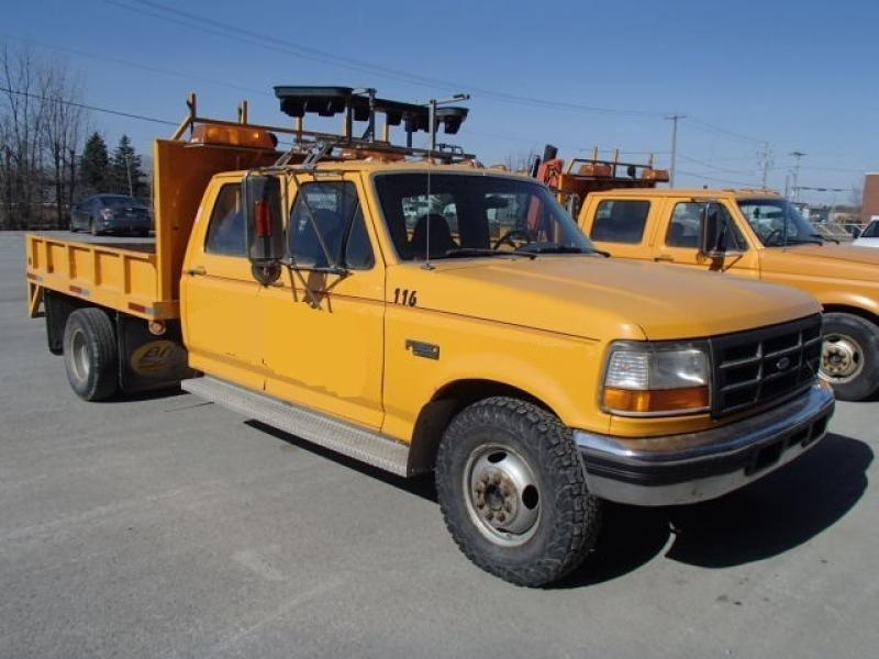 Camionnette 6 roues Ford F350 Crew Cab 1997 En Vente chez EquipMtl