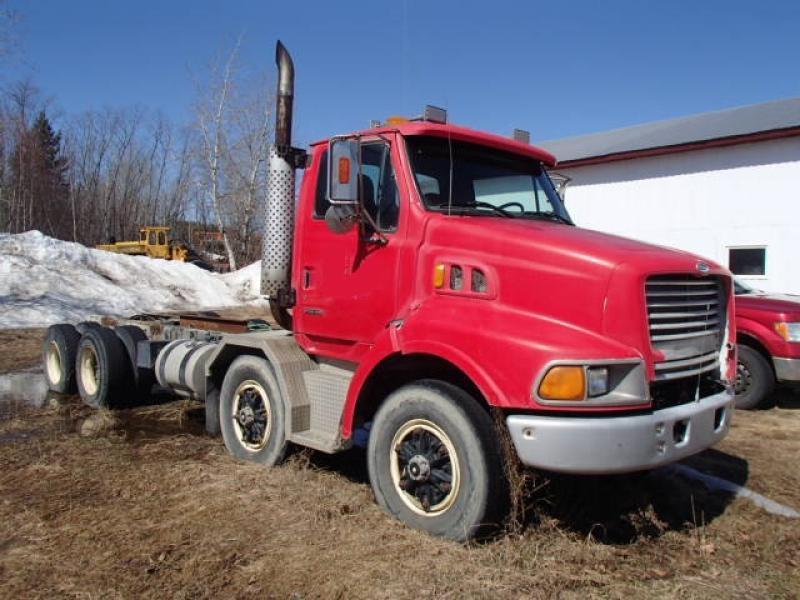 Camion cab et chassis Sterling 9500 2000 En Vente chez EquipMtl