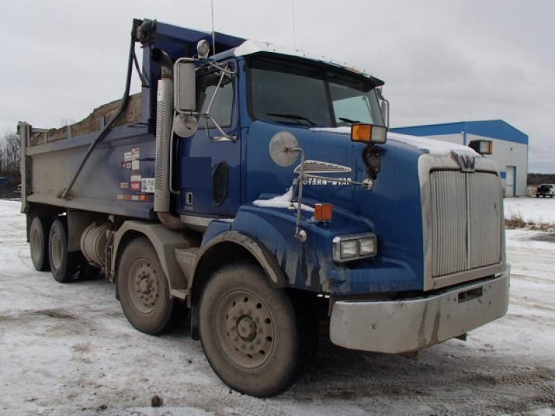 Camion dompeur 12 roues Western Star 4900 SA 2013 En Vente chez EquipMtl
