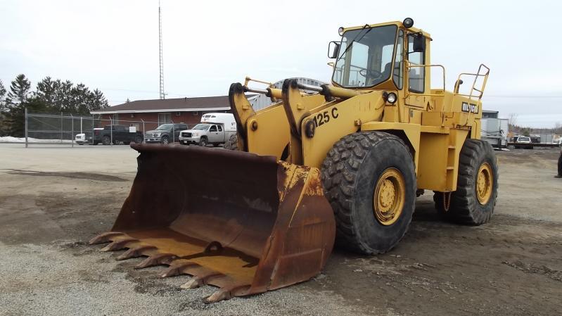 Chargeur sur roues (5 à 30 tonnes) Clark/Michigan 125CC 1987 En Vente chez EquipMtl