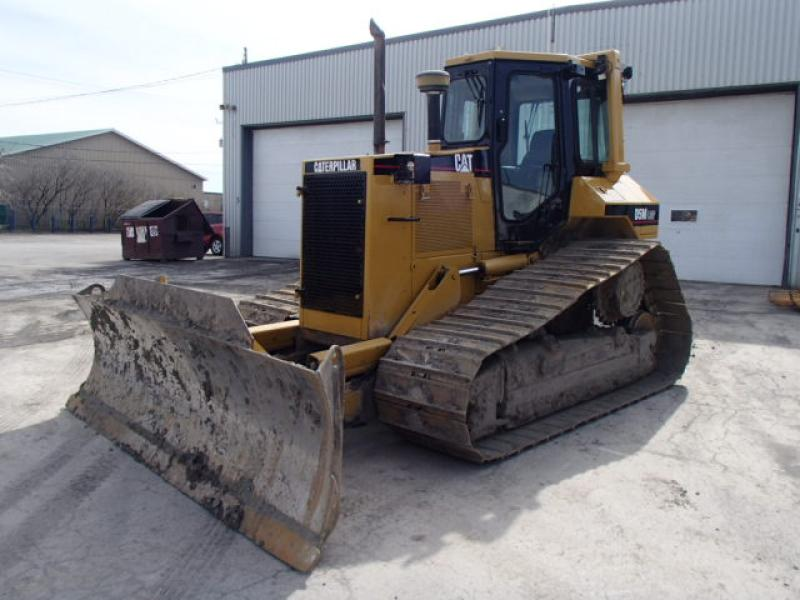 Tracteur à chaînes ( 0 à 15 tonnes) Caterpillar D5M LGP 2001 En Vente chez EquipMtl