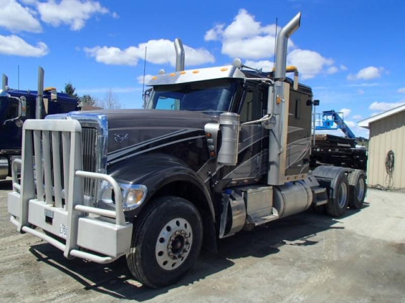 Camion Tracteur 10 roues couchette International 9900i 2014 En Vente chez EquipMtl
