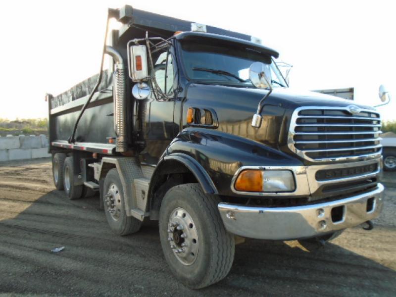 Camion dompeur 12 roues Sterling LT9500 2005 En Vente chez EquipMtl