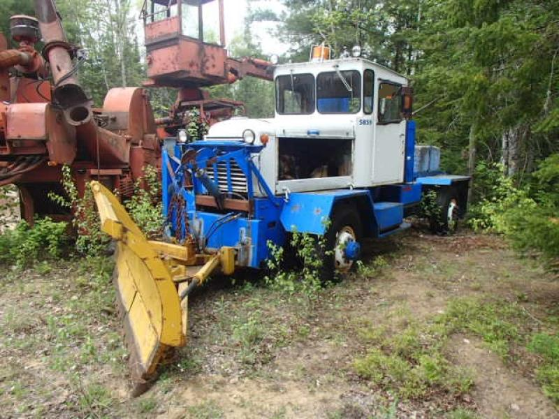 Camion à neige Sicard 4x4 En Vente chez EquipMtl