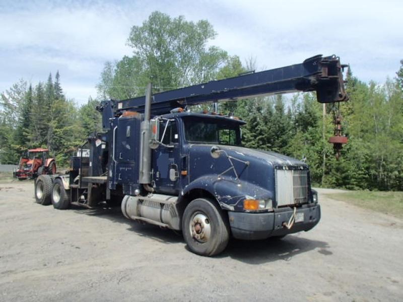 Camion grue International 9400 1993 En Vente chez EquipMtl