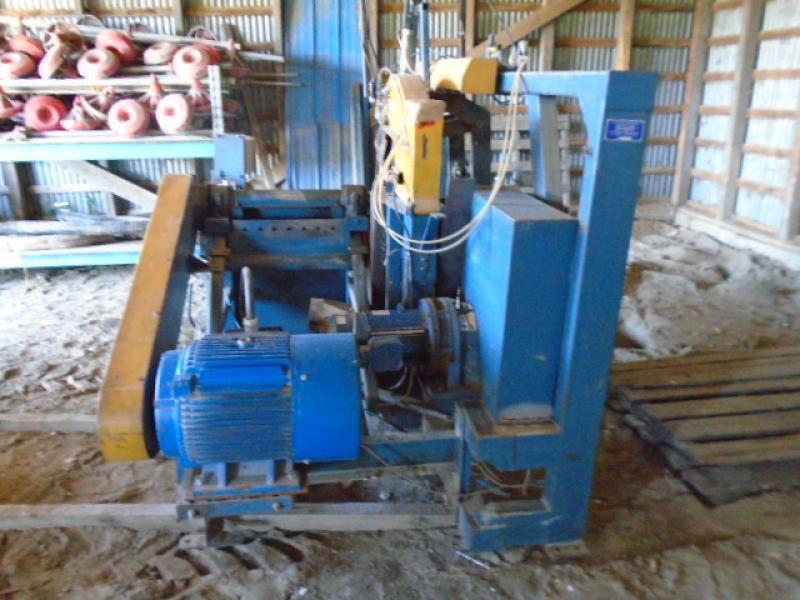 Machinerie pour le bois Desjardins Industries 24'' 2000 En Vente chez EquipMtl