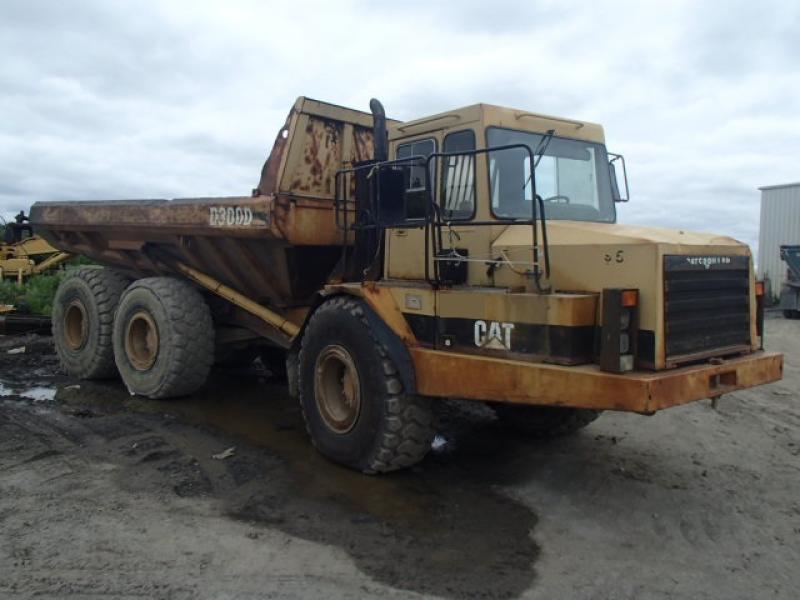 Camion articulé Caterpillar D300D 1993 En Vente chez EquipMtl