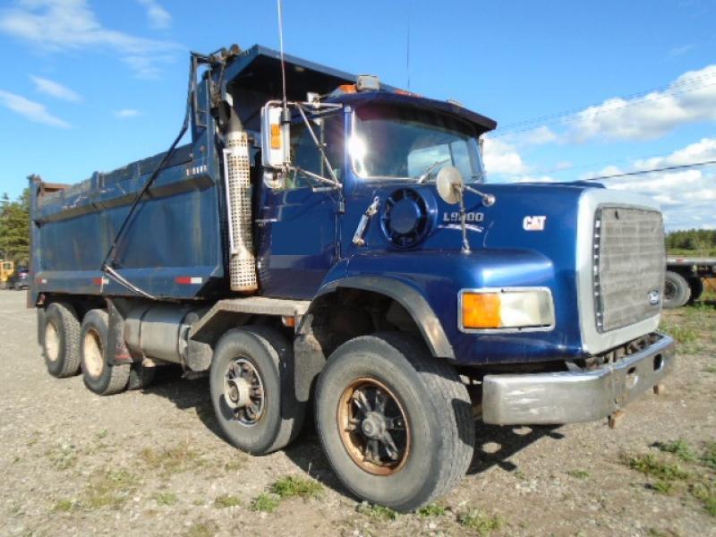 Camion dompeur 12 roues Ford L9000 1989 En Vente chez EquipMtl