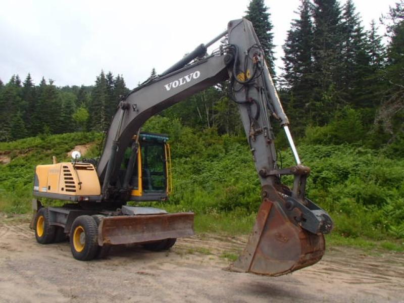 Excavatrice sur roues Volvo EW180B 2004 En Vente chez EquipMtl