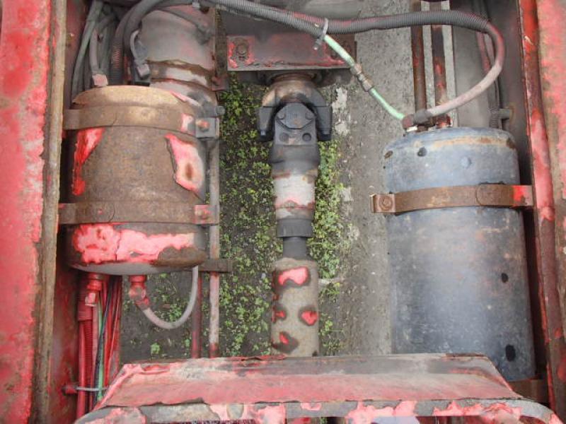 Camion roll-off Freightliner FL80 2001 Équipement en vente chez EquipMtl
