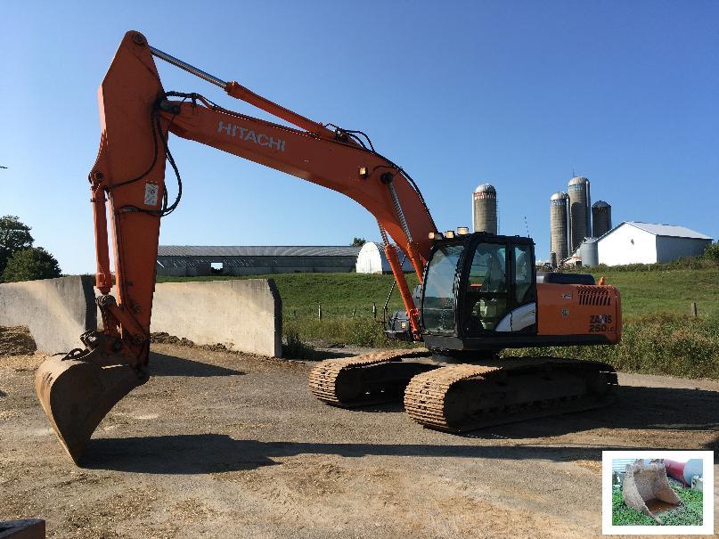 Excavatrice (20 à 39 tonnes) Hitachi ZX250LC-5N 2012 En Vente chez EquipMtl