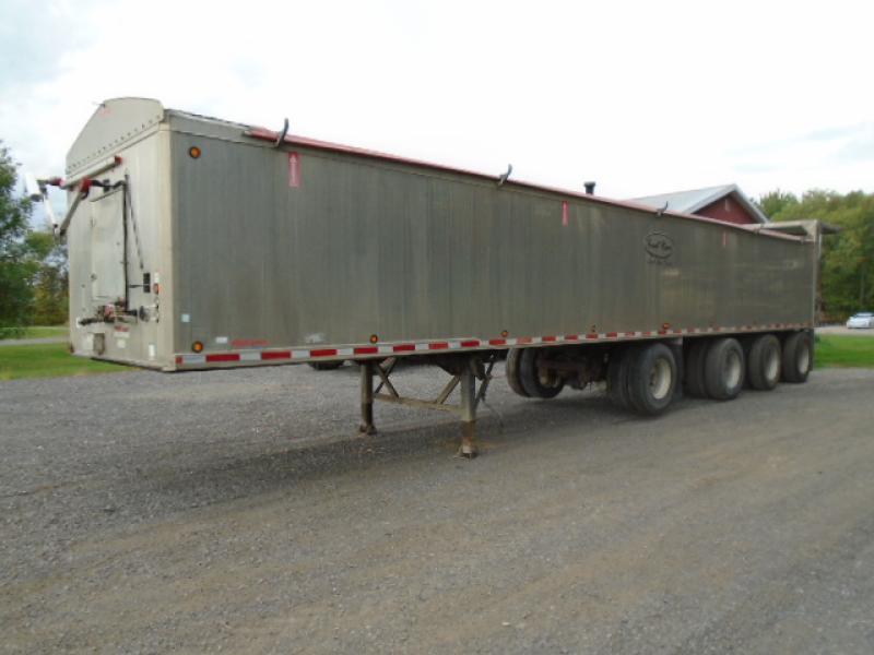 4 essieux Trout River SF47S 2011 En Vente chez EquipMtl
