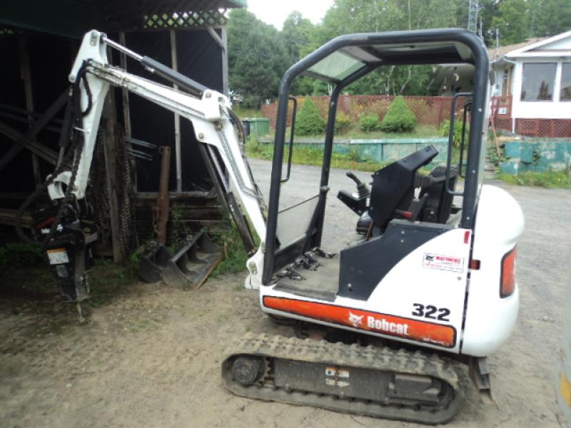 vendu Bobcat 322 2004 En Vente chez EquipMtl